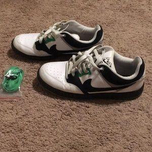 777fa8ebab64 Men s Nike 6.0 Shoes on Poshmark